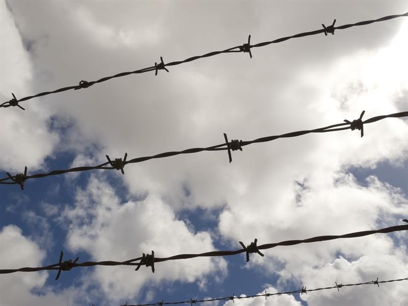 Werknemer klimt over hek: werkgever aansprakelijk